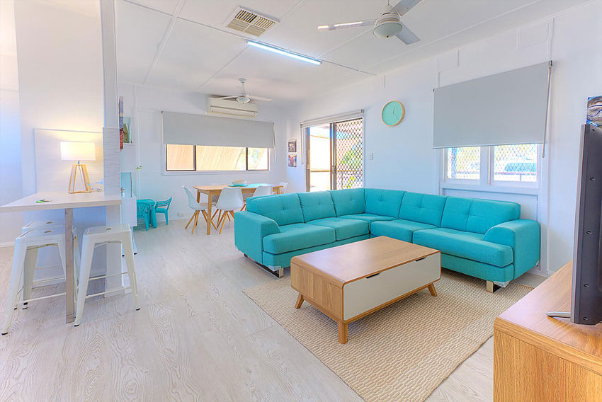 Exmouth accommodation - The Deck Lounge 2