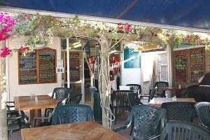Fin's Cafe Coral Bay