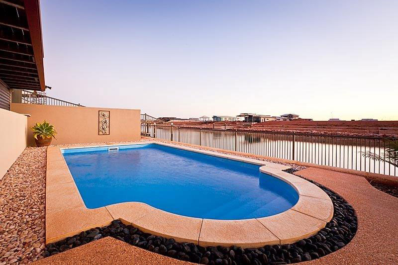 Swimming pool in Exmouth holiday home GECKO