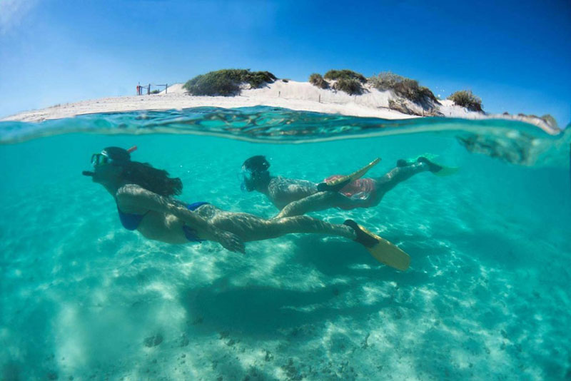 Turquoise Bay holiday guide